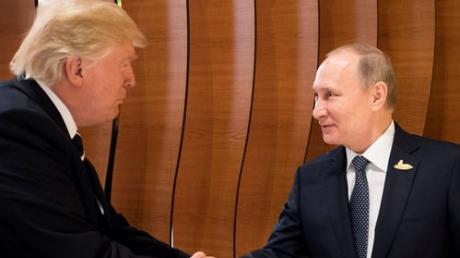 Трамп начал хитрую игру: республиканец с тонким замыслом сказал прессе, будто поладил с Путиным (кадры)