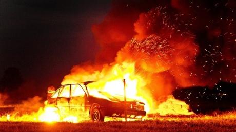 """""""Защитники  Донбасса"""" в оккупированном Луганске зверски убили таксиста и сожгли его машину"""