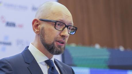 """""""Без паники"""", - у Яценюка рассказали, зачем бывшего премьера привезли """"обессиленного"""" в клинику"""