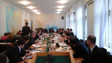Заседание Рады задерживается из-за консультаций по бюджету