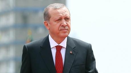 Президент Турции резко упал в безсознательном состоянии во время молитвы в мечети: уже известно, что именно спровоцировало падение Эрдогана