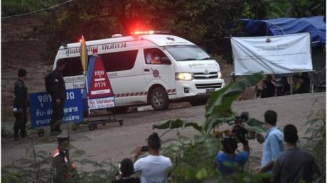 Спасение детей в Таиланде: на поверхность подняли четыре ребенка, но операцию пришлось остановить