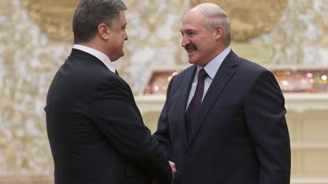 Лукашенко - Порошенко: Мы сделаем все возможное, чтобы в Украине были мир и покой