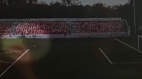 В 16-летнего российского футболиста при его ударе по мячу попала молния – игрок находится в коме