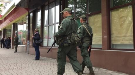 """""""У сепаров - глобальное похолодание после такого вопроса, и они молча на*уй потопали от нашей лавочки"""":  как террористы в  Донецке ловили шпийонов – захватывающий триллер от очевидца"""
