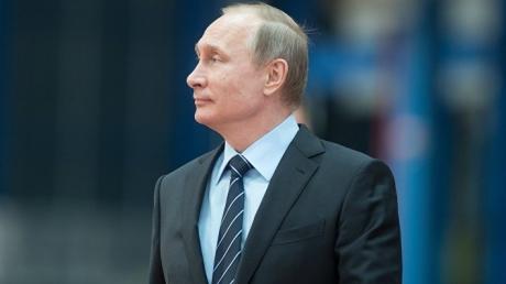Как Путин раздувает конфликты, используя байкеров, ополчение и подконтрольное государству ТВ