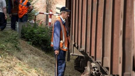 Фото с места столкновения трамвая и поезда в Днепре: названы предварительные причины смертельного ЧП