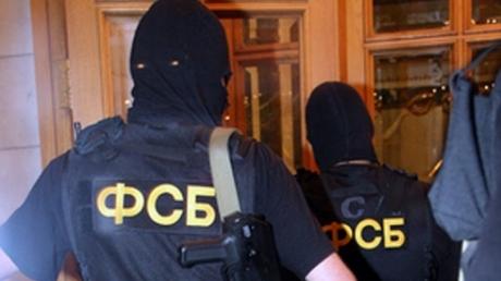 'Мой сосед сильно обругал Путина'. Пранкер показал, как в Крыму ФСБ реагирует на оскорбления в адрес президента РФ