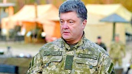 Порошенко заявил, что за 2 недели до своей смерти Немцов обещал ему опубликовать доказательства присутствия российской армии