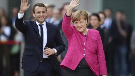 Макрон и Меркель станут давить на Путина: европейские лидеры будут требовать от начальника Кремля отстать от Украины