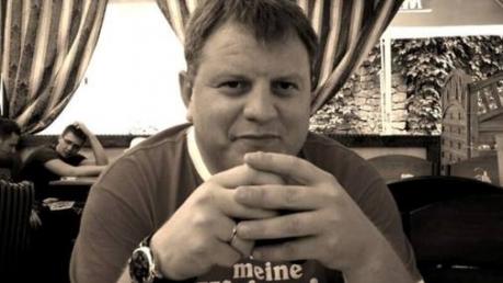 В то время, как Россия разжигает в Украине гражданский конфликт, разные популисты, которые ни на что не способны - поливают грязью президента нашей страны - Павел Нусс