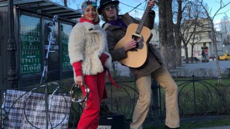 злата огневич, вышла на улицы киева, пела как бременские музыканты, объявили войну коронавирусу