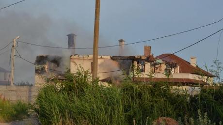 Опубликованы кадры страшных разрушений, которым подверглось мирное село в Новоазовском районе