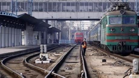 """В """"ДНР"""" работников железной дороги срочно переводят на трехдневку: работники возмущены вскрывшейся причиной"""