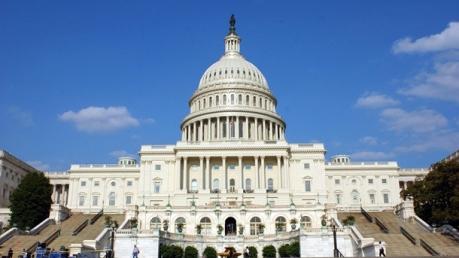 """Сенат """"урезал"""" полномочия Трампа: все надежды Кремля о смягчении санкций превратились в """"радиоактивный пепел"""""""