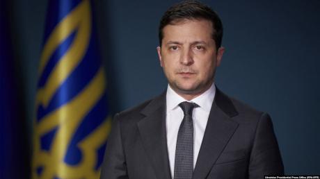 """Коронавирус в  Украине: """"В течение дня - двух"""", - у Зеленского заговорили о введении ЧП по всей стране"""