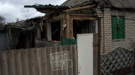 """Всего за 5 тысяч долларов: Казанский показал, как жители Донбасса сбегают от """"р***кого мира"""" - кадры"""