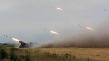 Пресс-центр АТО: противник обстрелял Авдеевку из артиллерии и танков
