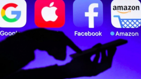 """По примеру России и Беларуси: """"Слуга народа"""" хочет обложить налогом Youtube, Facebook, Google"""