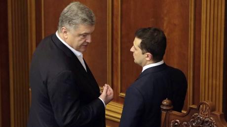 Порошенко начинает догонять Зеленского в президентском рейтинге