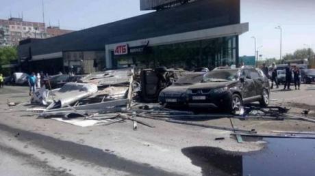 ДТП в Днепре: раскрыта причина, из-за чего фура не затормозила, - подробности и кадры трагедии