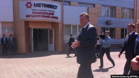 """О Януковиче забыли, зарплат нет: как живет Енакиево при """"ДНР"""""""