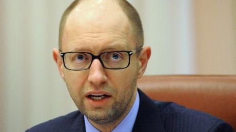 Яценюк спрогнозировал среднегодовой курс гривны к доллару