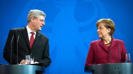 Канада не исключает силовой вариант решения конфликта на Донбассе