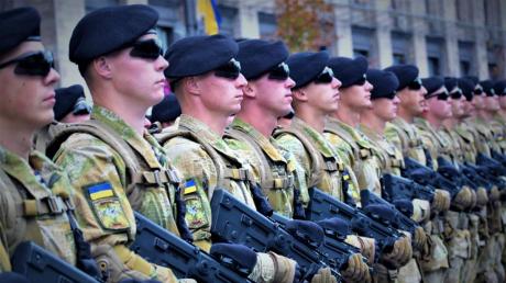 """ВСУ принимают неотложные меры по борьбе с коронавирусом, армия готовится к """"войне"""" с эпидемией"""