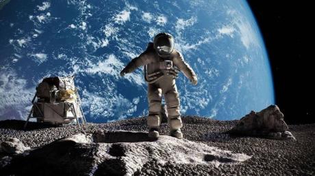 """США отправят людей на Луну, пока Россия """"приватизирует"""" Венеру"""