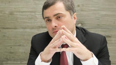 Сурков снова едет в Донбасс: помощник Путина лично будет курировать распределение денег между боевиками Захарченко