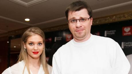 """В Comedy Club рассказали о своем отношении к Харламову и Асмус: """"А что тут обсуждать?"""""""