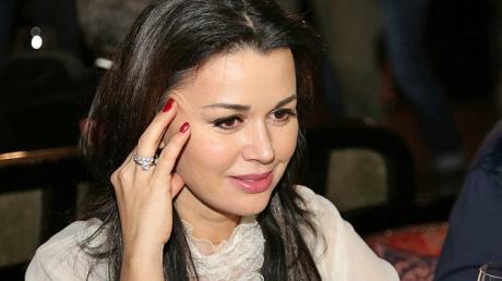 Беда с Анастасией Заворотнюк: СМИ рассказали, на что пошла мать актрисы, узнав о болезни дочери