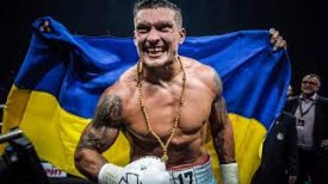 """""""Забыть боксера – это подлость"""", – Александр Усик порадовал украинок оригинальным поздравлением с 8 марта"""