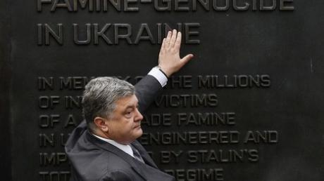 Важный сигнал: В Конгрессе США пообещали Порошенко официально признать геноцидом Голодомор, который в Украине в 1932 – 1933 годах организовал Сталин