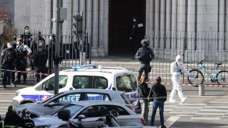 Появилось видео задержания террориста, напавшего на людей в церкви Нотр-Дам в Ницце