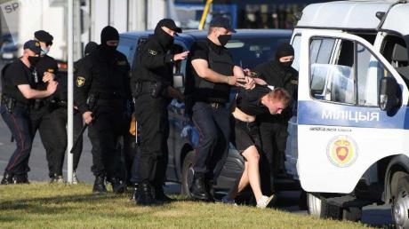 На протестах в Беларуси начали задерживать граждан Украины и Польши