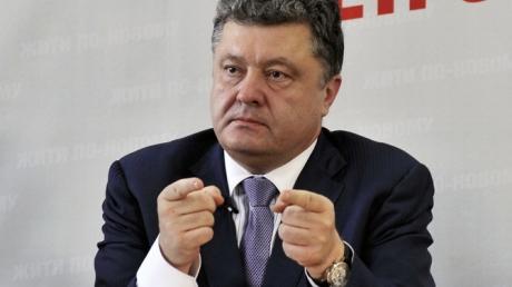 Порошенко обеспокоен размещением РФ ядерного оружия на полуострове: Крым - украинская территория