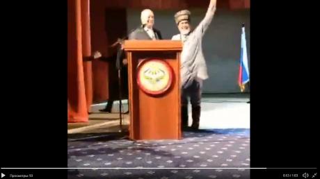 Ингуши отмечают свой триумф над Чечней громкими овациями: первые кадры реакции на отмену закона о границе