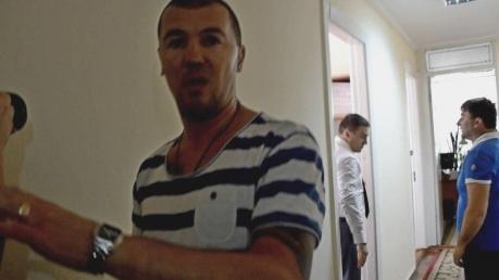 """Скандал продолжается: николаевского """"драчуна"""", избившего депутата Барну, задержали полицейские"""