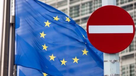 У Путина придумали ответ на обновленные санкции ЕС: стало известно, как Кремль ответит Западу