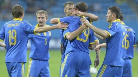 футбол, сборная Украины по футболу, игры, армия Украины, сборная Словакии, сборная Парагвая