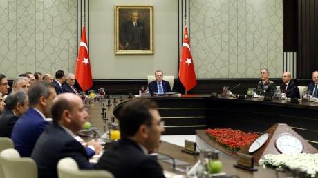 В Турции введено военное положение: уже утром парламент страны объявит войну Сирии