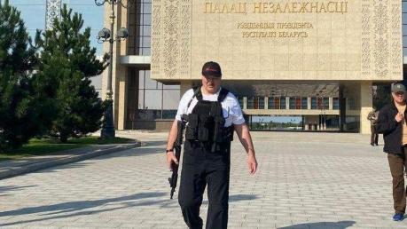 Лукашенко закрыл западные границы Беларуси и грозит Украине войной