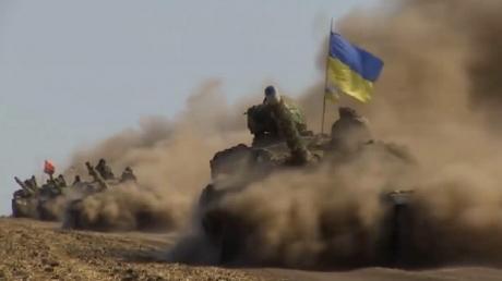 """""""Товарищ москаль, на Украину шуток не скаль!"""" - Порошенко в День защитника напомнил, что Украина никогда не станет колонией России (кадры)"""