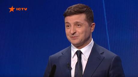 """""""Не теряйте время"""", - Зеленский обратился к молодым украинцам из-за коронавируса"""