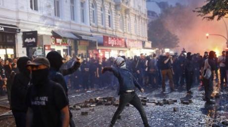 """""""Ру***ий мир"""" отличился в Гамбурге: немецкая полиция арестовала 6 россиян, громивших город по случаю саммита """"Большой двадцатки"""""""