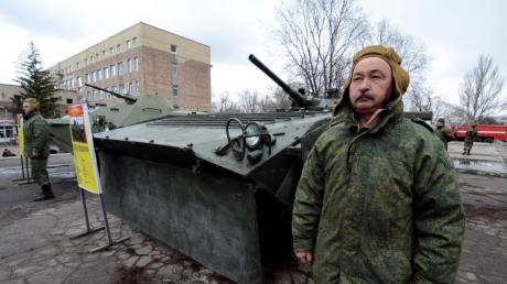 """В """"ДНР"""" оккупанты провели выставку """"агрессии ВСУ"""": блогер ткнул пальцем в прокол сепаратистов"""