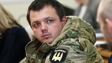 Семенченко обратился к Порошенко с просьбой выравнивания линии фронта в районе Дебальцево