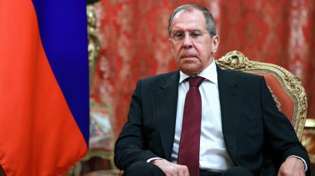 """Лавров нашел """"след США"""" в высылке дипломатов РФ из Словакии"""
